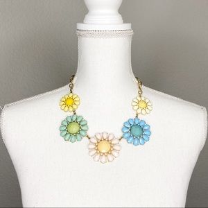 Colorful flower chunky necklace